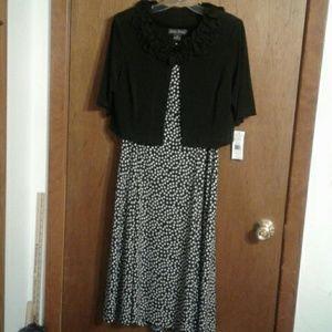 Jessica Howard 2 Piece Dress & Jacket Set 10 P